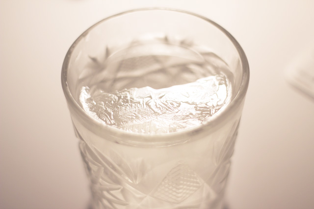 Ice snow flake pattern glass drink water frozen