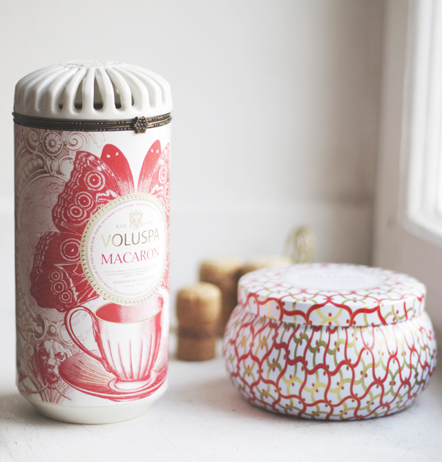 voluspa maison blanc macaron scented candle